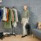 7 wieszaków - garderoba kapsułowa - kolory ziemi